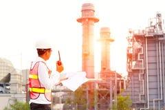 Mężczyzna inżynier przy elektrownią, Tajlandia, Zdjęcie Stock