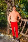 Mężczyzna jesieni Przypadkowa moda zdjęcie royalty free