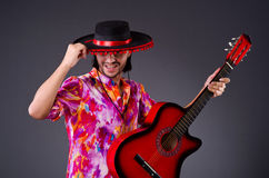 Mężczyzna jest ubranym sombrero Fotografia Royalty Free