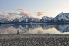 mężczyzna jeziorna góra Fotografia Stock