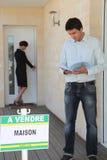 Mężczyzna kupienia dom Zdjęcie Stock