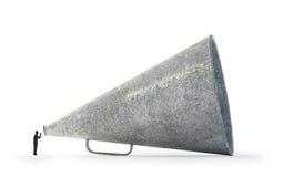 Mężczyzna mówienie przez rocznika megafonu fotografia stock