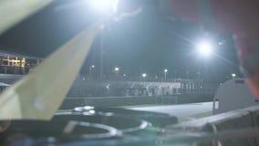 Mężczyzna Macha W kratkę rasy flagę zbiory wideo