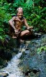 Mężczyzna Mentawai plemię w dżungli Obrazy Royalty Free