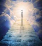 Mężczyzna modlenie przeciw bramie raj Fotografia Stock