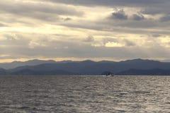 Mężczyzna na łodzi Zdjęcie Stock