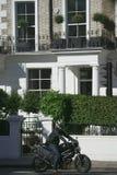 Mężczyzna na motocyklu w Londyn fotografia stock