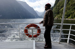 Mężczyzna na rejs łodzi Obraz Stock