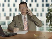 Mężczyzna Na Telefonie Obrazy Stock