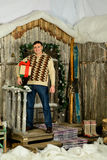 Mężczyzna na tle ganeczek Fotografia Royalty Free