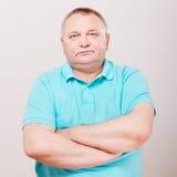 mężczyzna nad starszym polo biel Zdjęcie Royalty Free