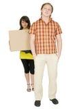 mężczyzna niedźwiadkowa duży pudełkowata kartonowa kobieta Fotografia Royalty Free