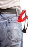 Mężczyzna niesie slingshot w jego tylna kieszeń Obrazy Stock