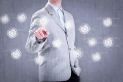 Mężczyzna odciskania guzik cyfrowy wirtualny ekran fotografia royalty free