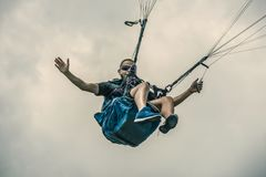 Mężczyzna paragliding Obraz Stock
