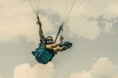 Mężczyzna paragliding Zdjęcie Royalty Free