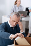 Mężczyzna patrzeje bardzo smutny w rok Zdjęcie Stock