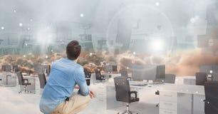 mężczyzna patrzeje 3d futurystycznego biuro zdjęcia stock