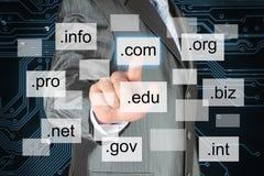 Mężczyzna pcha wirtualną nazwę domeny obraz stock