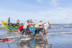 mężczyzna plażowy działanie obraz royalty free