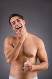 Mężczyzna po brać prysznic w pojęciu Zdjęcie Stock