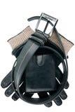 Mężczyzna portfel, pasek i rękawiczki odizolowywający, obraz stock