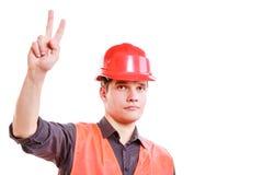 Mężczyzna pracownika seansu znak zwycięstwo Zdjęcia Royalty Free
