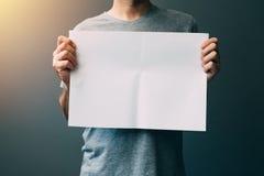 mężczyzna pusty papier Zdjęcie Stock
