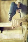 Mężczyzna ręk świderu lath w warsztacie Fotografia Stock
