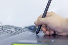 Mężczyzna ręka pracuje na touchpad Zdjęcia Royalty Free