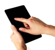 Mężczyzna ręki trzymają pastylkę komputerowa Zdjęcia Stock
