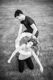 Mężczyzna ratuje dziewczyny Zdjęcie Stock