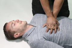 Mężczyzna robi CPR zdjęcie stock