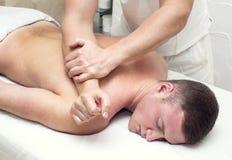 Mężczyzna robi masażowi Fotografia Royalty Free
