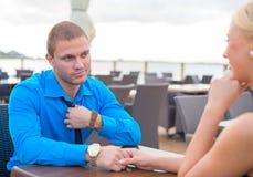 Mężczyzna robi propozyci kobieta Fotografia Stock
