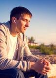 Mężczyzna słucha muzyka fotografia royalty free