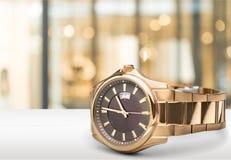 Mężczyzna ` s machinalny zegarek na tle Zdjęcia Royalty Free