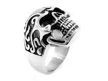 Mężczyzna ` s pierścionek z czaszką 375 magna stal nierdzewna 04 Zdjęcie Royalty Free