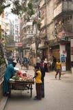Mężczyzna sprzedawania warzywa w Dhaka, Bangladesz Obraz Stock