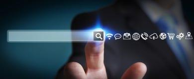 Mężczyzna surfing na internecie z cyfrowym dotykowym sieć adresu barem Obrazy Royalty Free