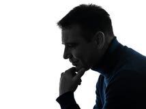Mężczyzna sylwetki poważny myślący zadumany portret Obraz Royalty Free