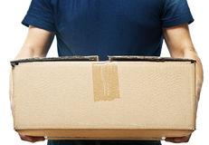 Mężczyzna trzyma starego papierowego pudełko Zdjęcie Stock