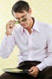Mężczyzna Trzyma Winylowego rejestr zdjęcia stock