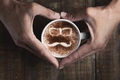 Mężczyzna twarz w filiżance cappuccino Obrazy Royalty Free