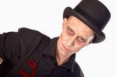 Mężczyzna ubierał up jako wampir dla Halloween obraz stock