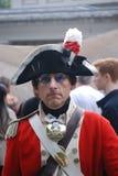 Mężczyzna ubierający up w starym mundurze Fotografia Royalty Free