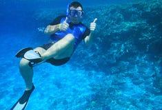 mężczyzna underwater Zdjęcia Royalty Free