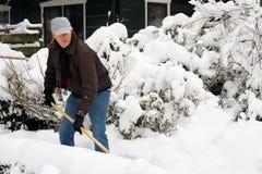 mężczyzna usunięcia śnieg obrazy royalty free
