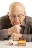 mężczyzna wątpliwy senior Fotografia Royalty Free