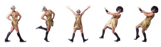 Mężczyzna w żeńskim ubraniowym śpiewie z mic zdjęcie stock